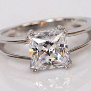 | REF : SOL0115 | 2ct DIAMOND RING