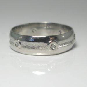   REF : M4006   Diamond Ring