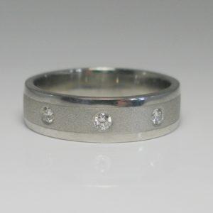   REF : M4007   Diamond Ring