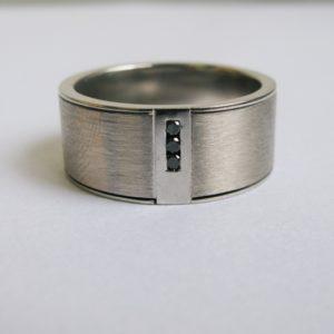   REF : M4009   Diamond Ring