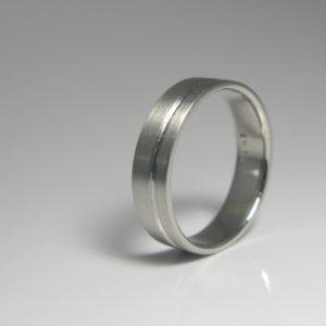   REF : M4010   Diamond Ring