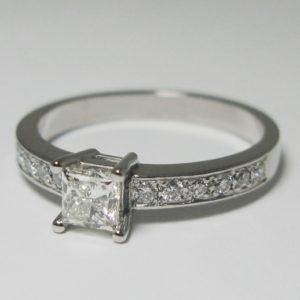   REF : SA1034   Diamond Ring