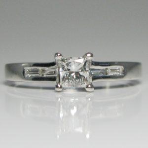 | REF : SA1039 | Diamond Ring