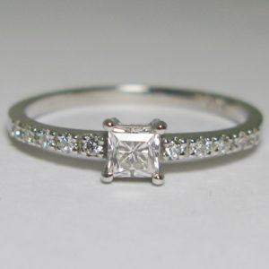 | REF : SA1042 | Diamond Ring