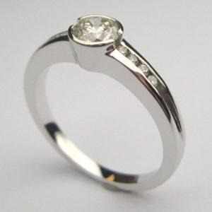 | REF : SA1046 | Diamond Ring