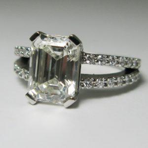   REF : SB5002   Diamond Ring
