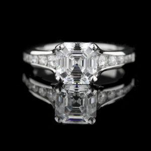   REF : SA1005   ASSCHER DIAMOND RING
