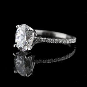   REF : SA1011   OVAL DIAMOND RING