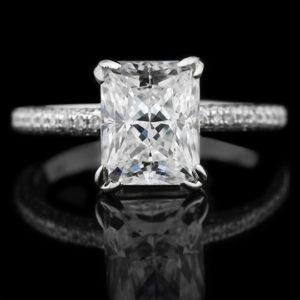   REF : SA1004   RADIANT DIAMOND RING