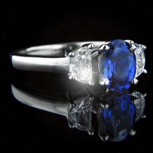   REF : GEM6010   TANZANITE & DIAMOND RING