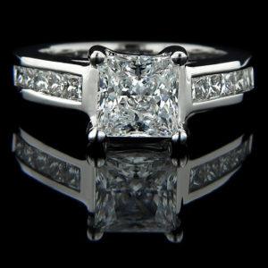   REF : SA1006   PRINCESS DIAMOND RING